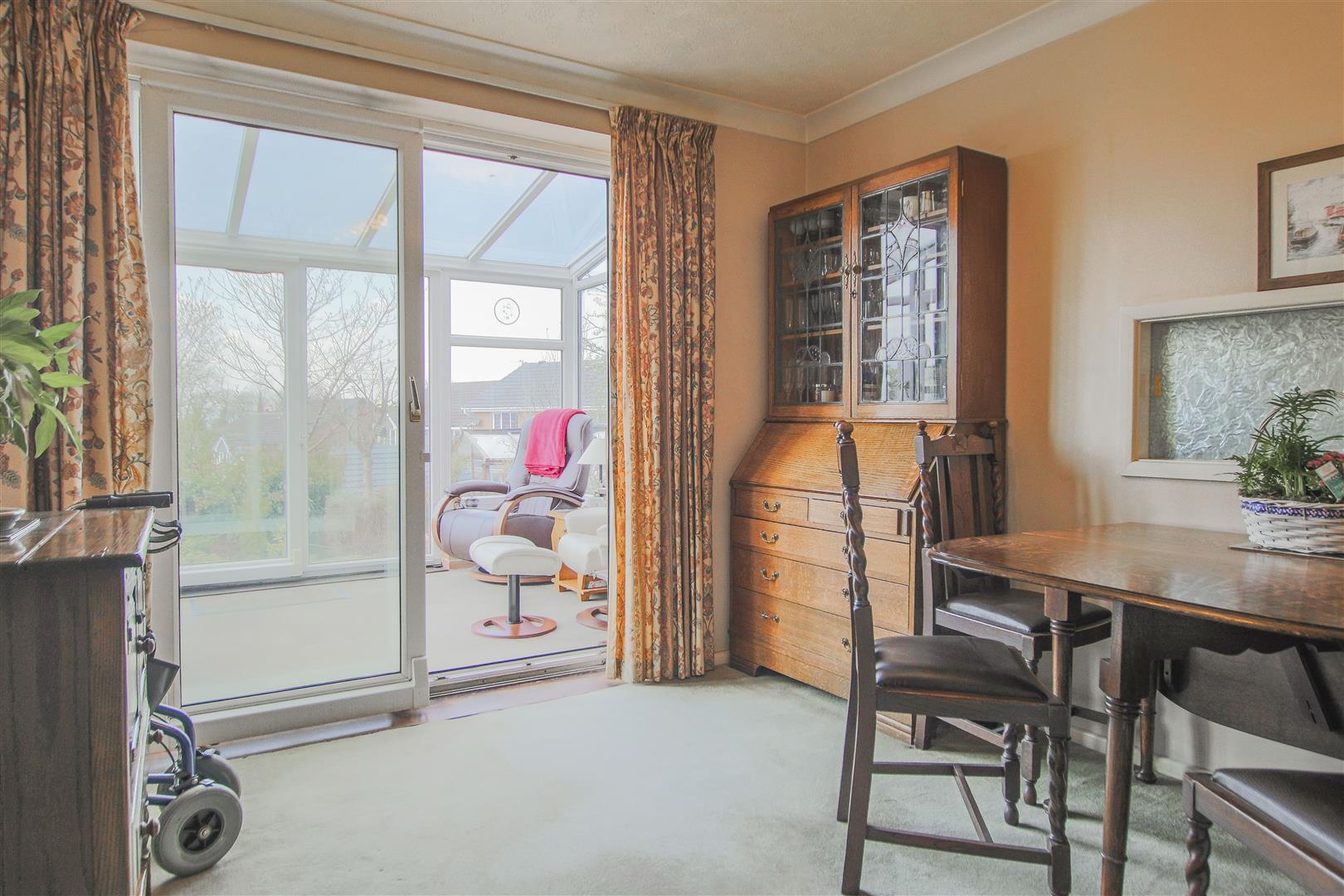 4 Bedroom Detached House For Sale - 5.JPG